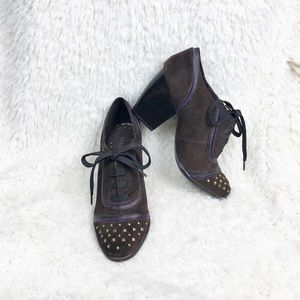 NWOT Libby Edelman suede studded oxfords